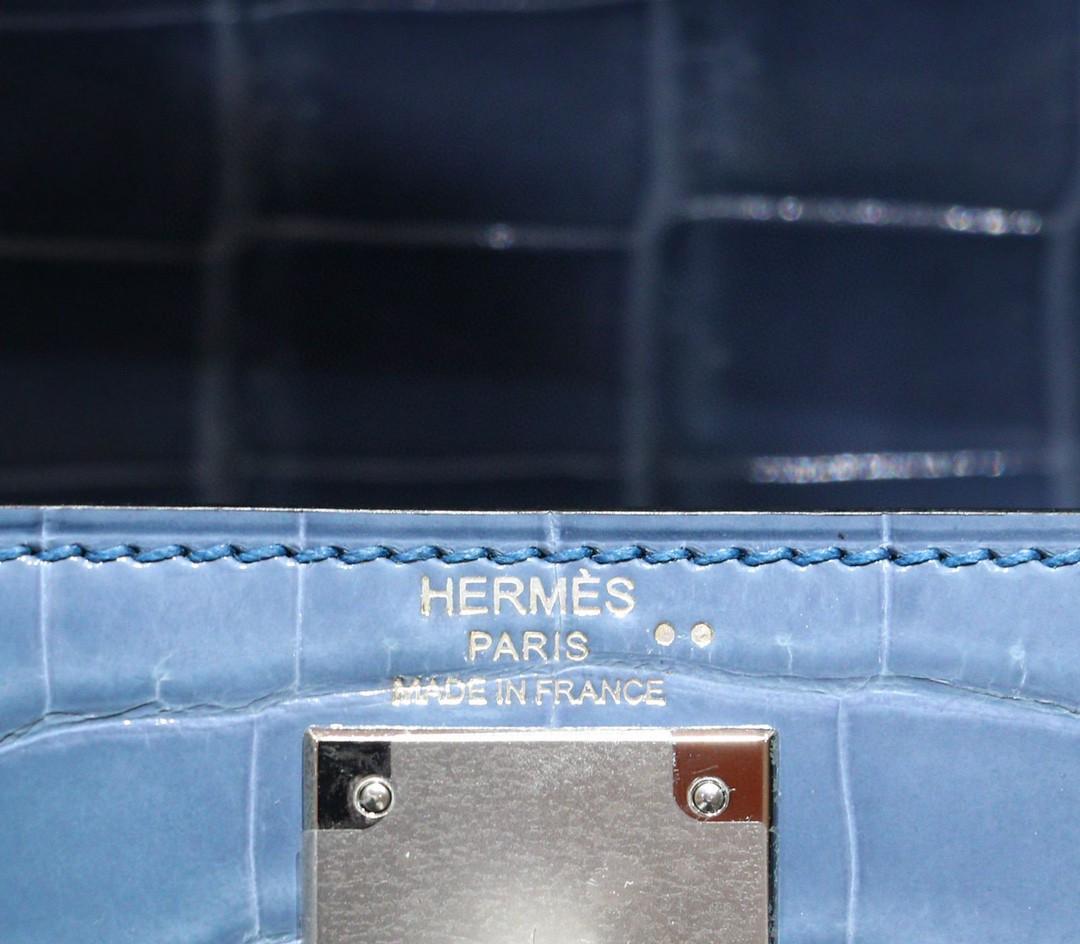 Hermès(爱马仕)Kelly 凯莉包 牛仔蓝 亮面鳄鱼皮 银扣 28cm