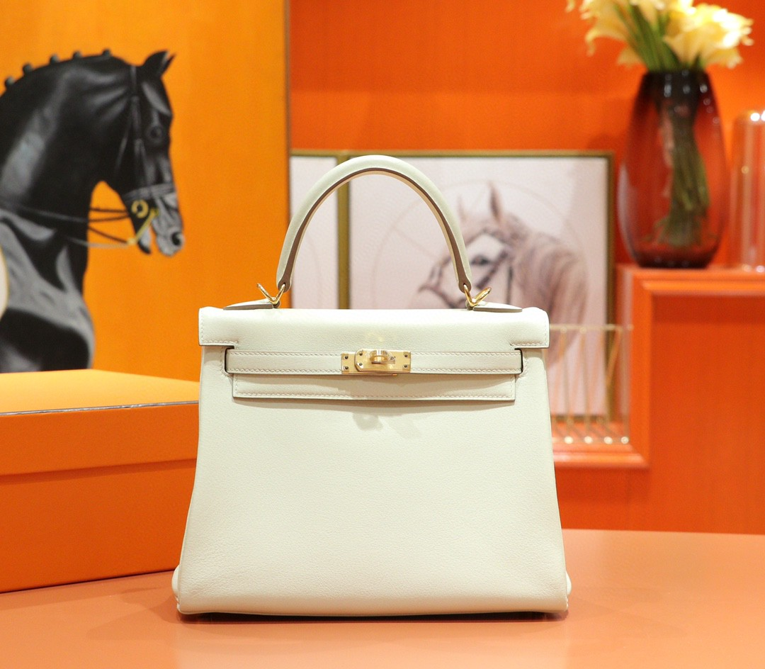 Hermès(爱马仕)Kelly 凯莉包 奶昔白 Swift 全手缝 金扣 28cm