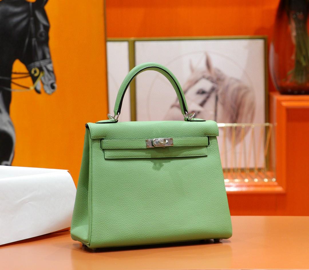 Hermès(爱马仕)Kelly 凯莉包 牛油果绿 Togo 全手缝 银扣 28cm