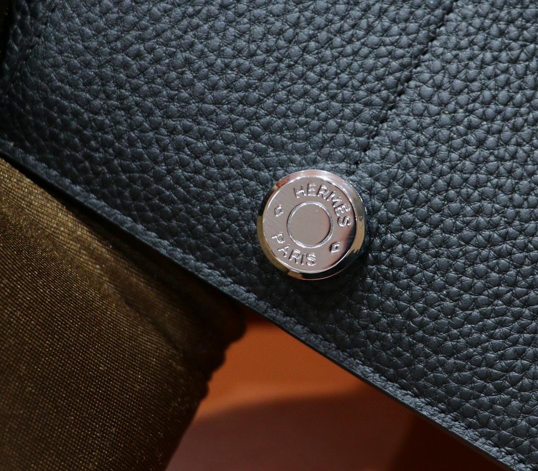 Hermès(爱马仕)护照本 黑色 Togo 钱夹 银扣