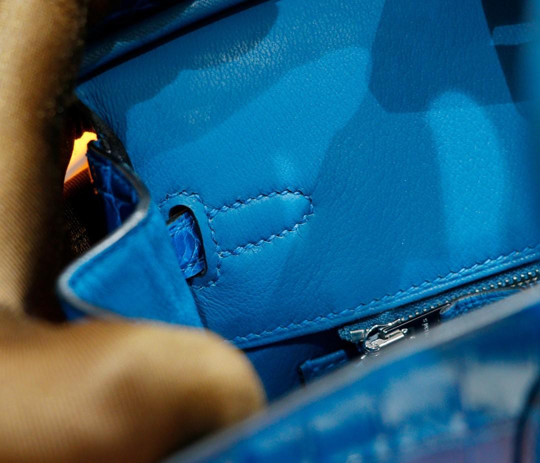 Hermès(爱马仕)Birkin 铂金包 亮面鳄鱼皮 伊兹密尔蓝 银扣 25cm