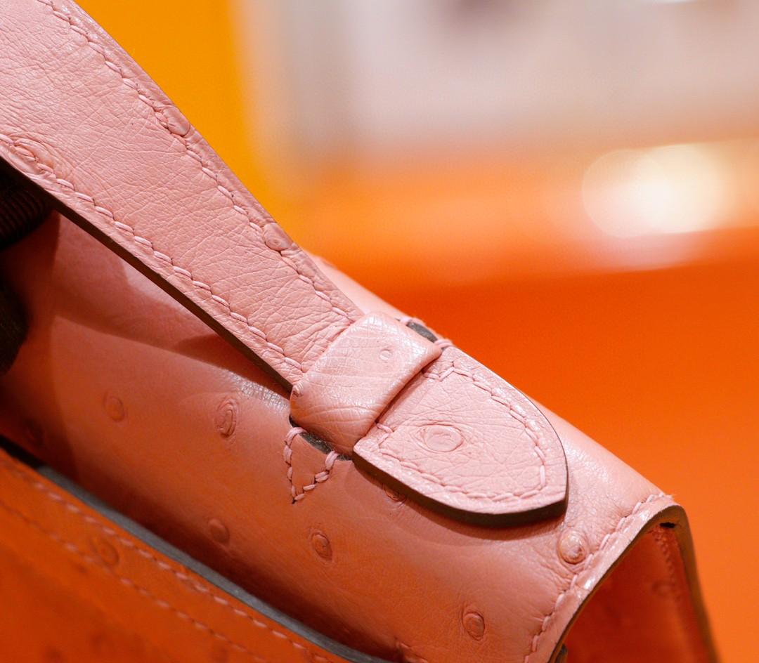Hermès(爱马仕)Minikelly 晚宴包 陶瓷粉 南非鸵鸟皮 全手缝 银扣