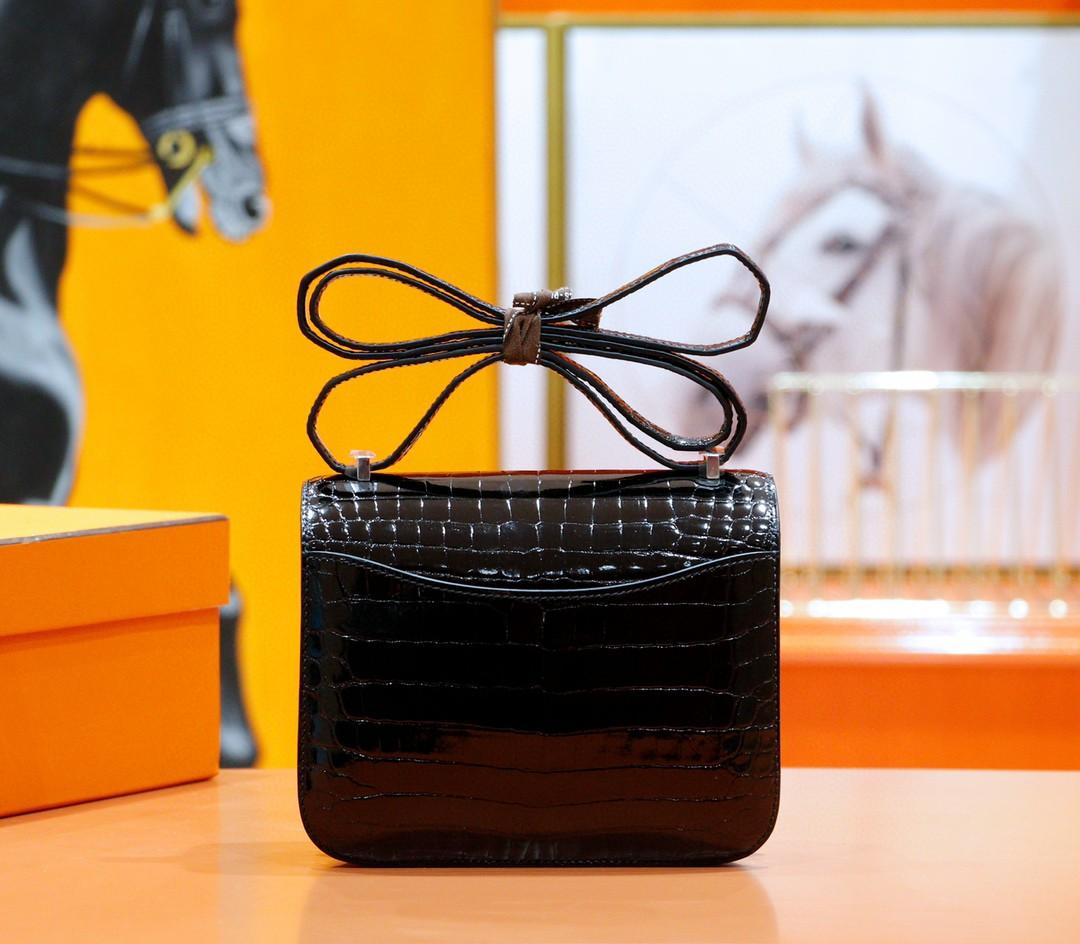 Hermès(爱马仕)Constance 空姐包 黑色 亮面鳄鱼皮 金扣 18cm