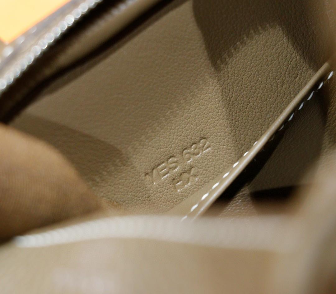 Hermès(爱马仕)Lindy 琳迪包 大象灰 全手缝 Togo小牛皮 银扣 20cm