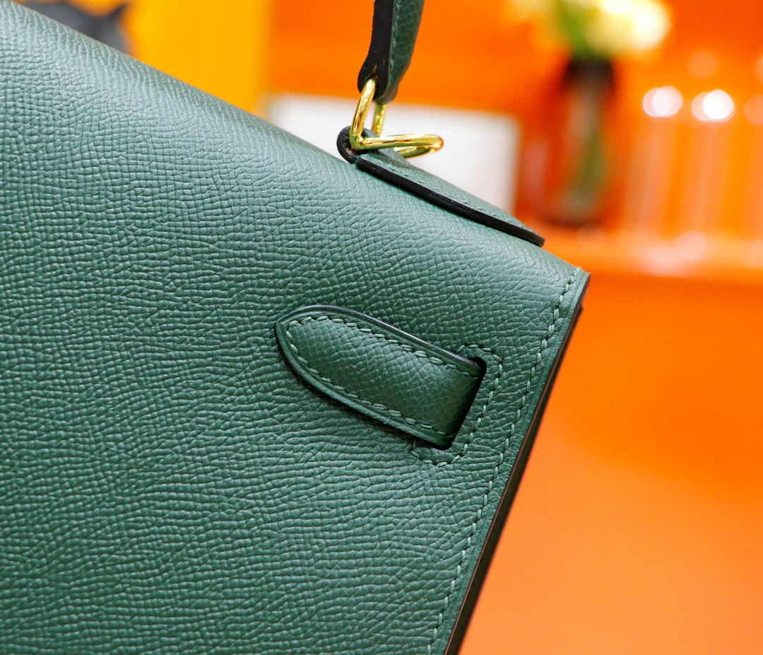 Hermès(爱马仕)Kelly 凯莉包 军绿色 Epsom 全手缝 金扣 28cm