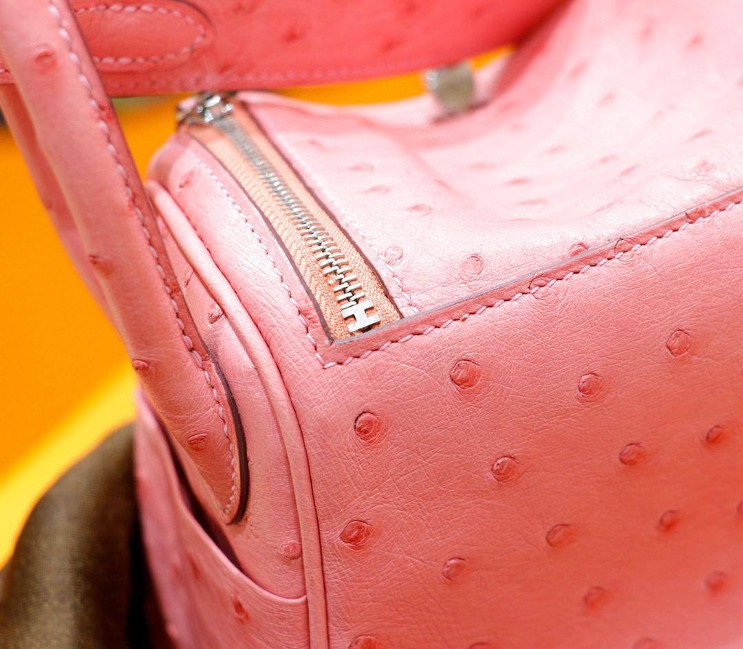 Hermès(爱马仕)Lindy 陶瓷粉 南非鸵鸟皮 银扣 20cm