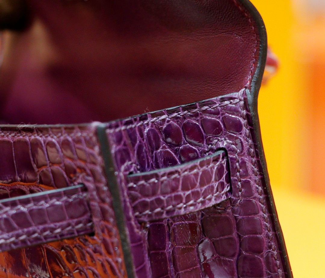 Hermès(爱马仕)Minikelly 迷你凯莉 葡萄紫 亮面鳄鱼皮 金扣 2代