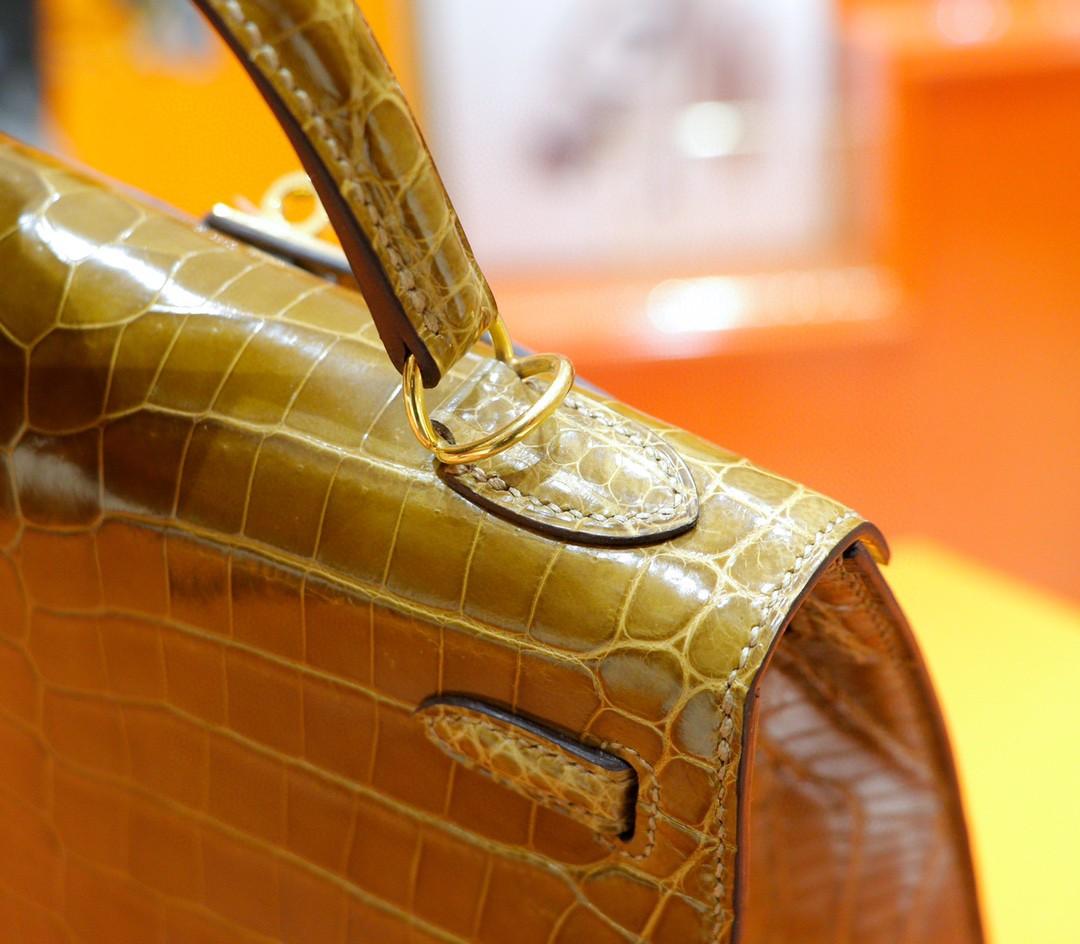 Hermès(爱马仕)Kelly 凯莉包 姜黄色 亮面鳄鱼皮 金扣 25cm