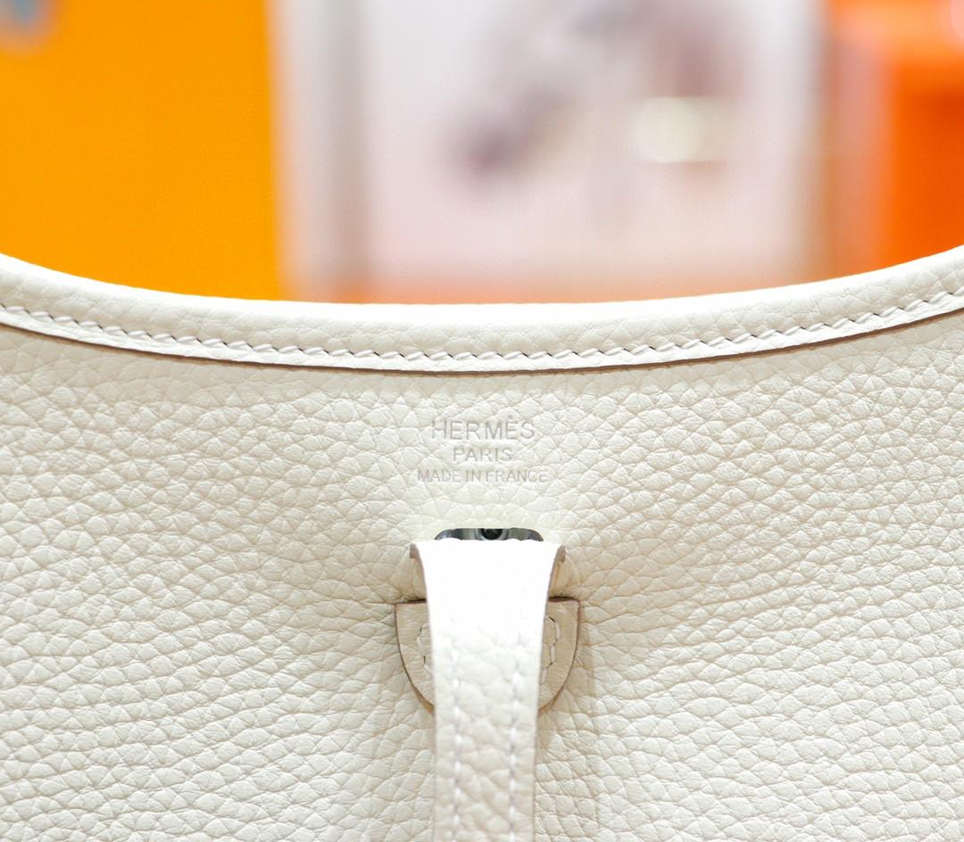 Hermès(爱马仕)Evelyne 伊芙琳 奶昔白 Togo 全手缝 银扣 17cm