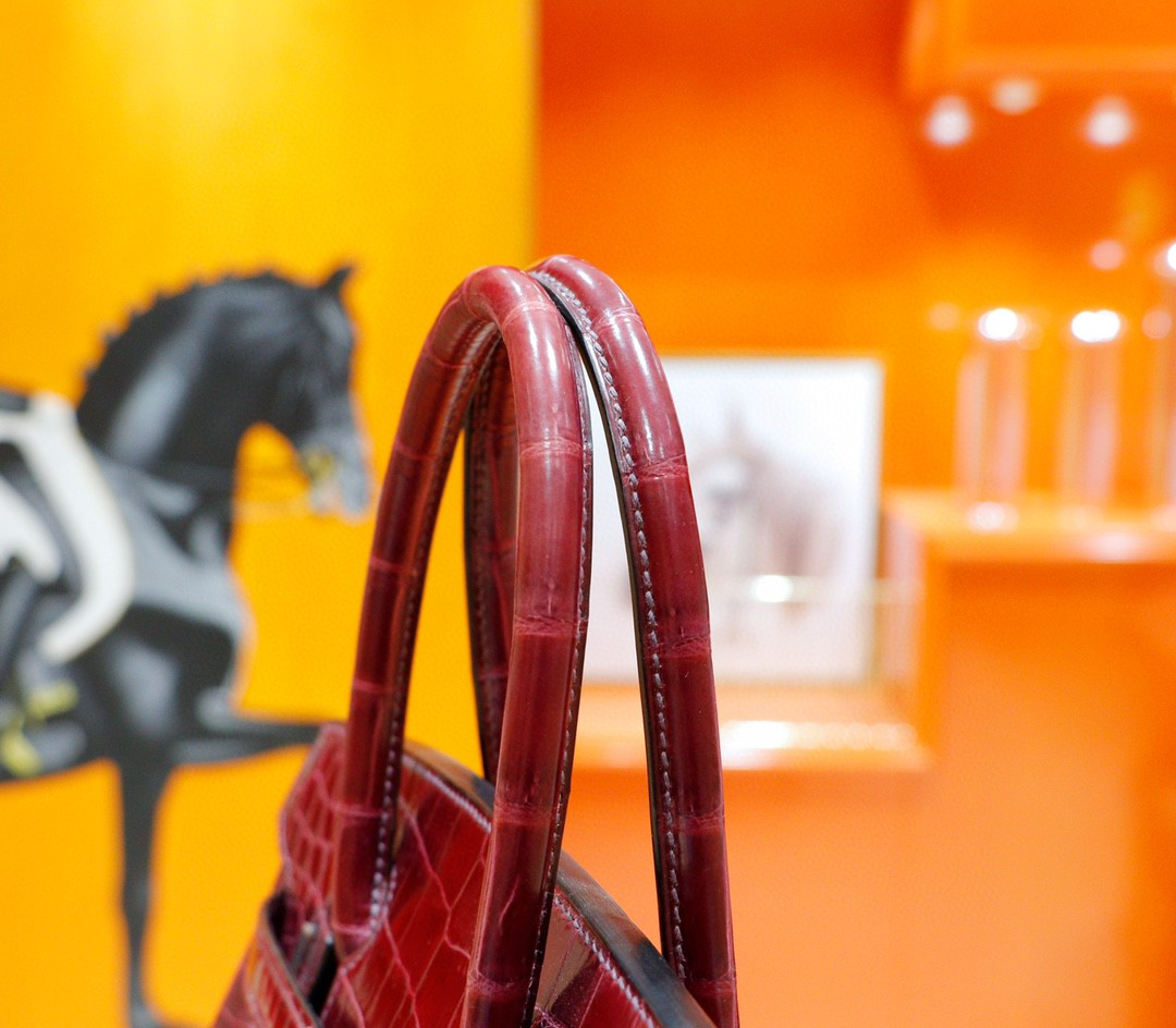 Hermès(爱马仕)Birkin 铂金包 葡萄紫 亮面鳄鱼皮 银扣 30cm