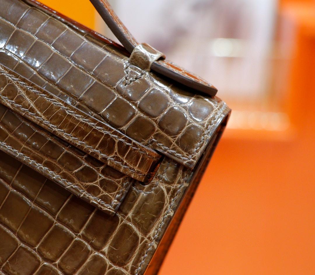 Hermès(爱马仕)Minikelly 迷你凯莉 晚宴包 棕色 鳄鱼皮 金扣