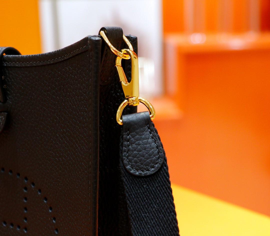 Hermès(爱马仕)Evelyne 伊芙琳 黑色 Togo 全手缝 金扣 17cm