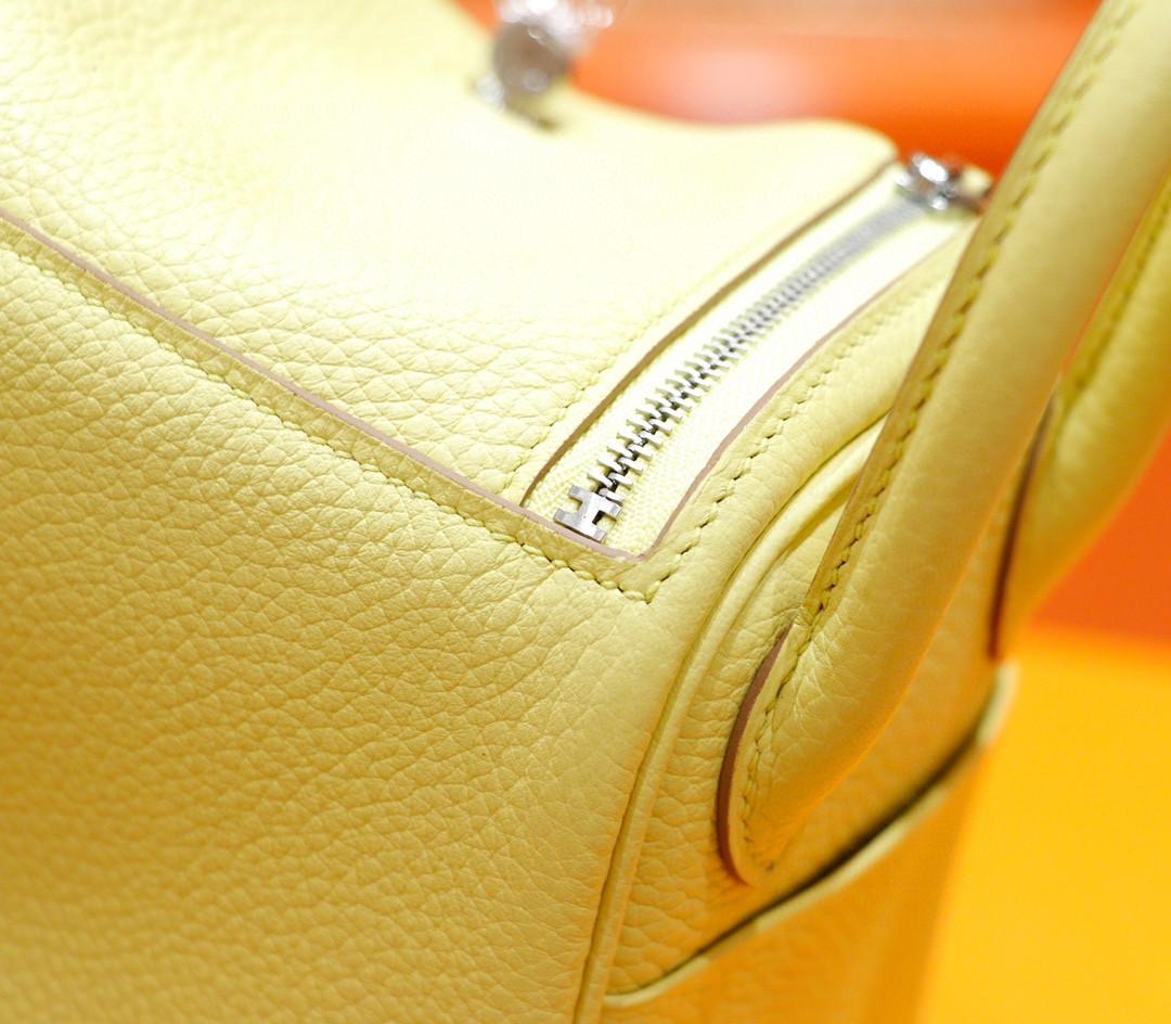 Hermès(爱马仕)Lindy 迷你琳迪包 小鸡黄 Togo 全手缝 银扣 20cm