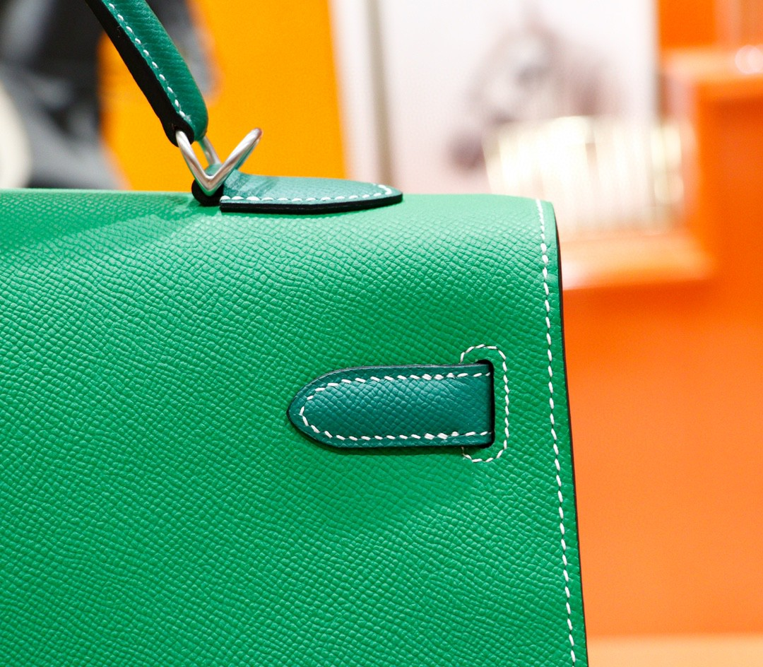 Hermès(爱马仕)Kelly 凯莉包 竹子绿拼丝绒绿 Epsom 全手缝 磨砂 银扣 40cm
