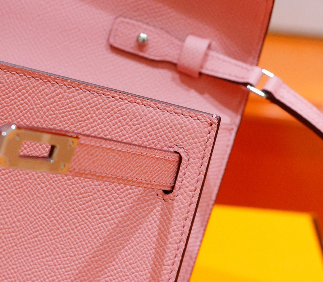 Hermès(爱马仕)Kelly ToGo 奶昔粉 Epsom 全手缝 银扣