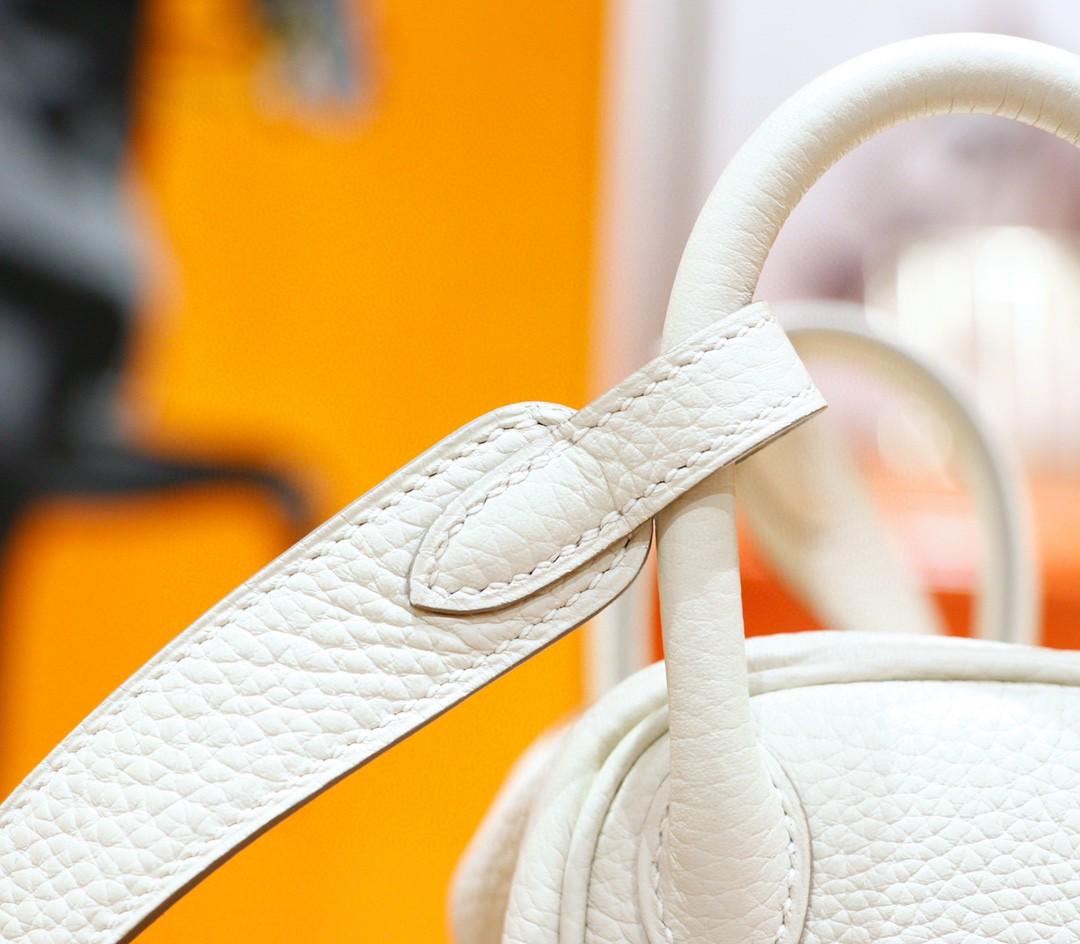 Hermès(爱马仕)Lindy 琳迪包 奶昔白 Togo 全手缝 金扣 20cm