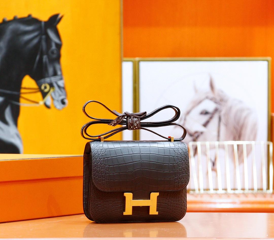 Hermès(爱马仕)Constance 空姐包 石墨灰 雾面鳄鱼皮 金扣 19cm